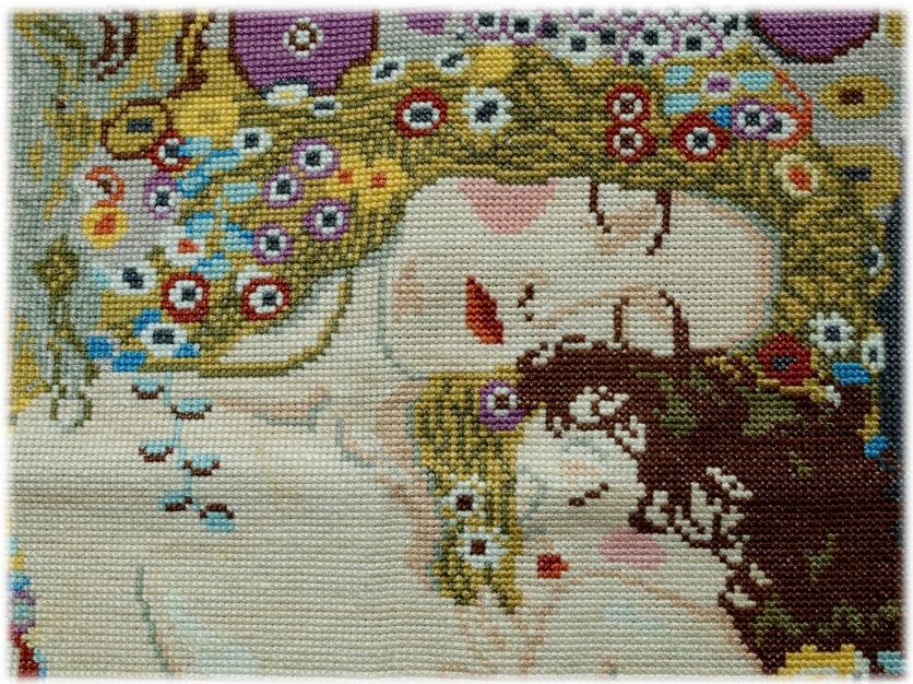 """Broderie """"La mère et l'enfant d'après Klimt"""", réalisée en 2008."""