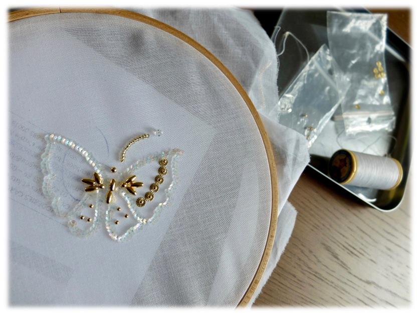 Le délicat papillon en cours de finition