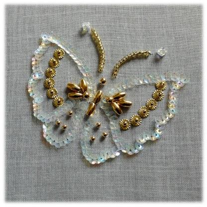 Le papillon perlé/pailleté débuté avec Carole Magne